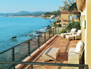 Villa right by the sea, with large enclosed garden at Sainte-Maxime