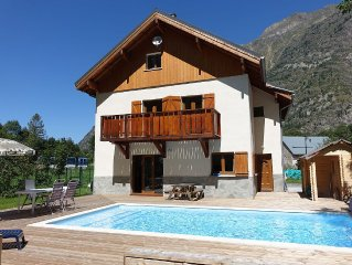 Beautifully situated countryside chalet inbetween  Les 2 Alpes and Alpe d 'Huez