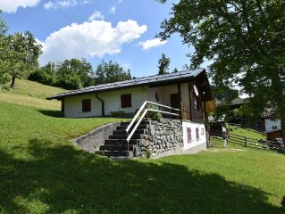 Detached holiday home for five people, with fine views of the surrounding area.