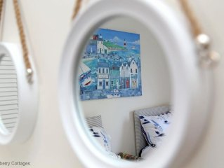 Sea View Cottage -  a cottage that sleeps 6 guests  in 2 bedrooms