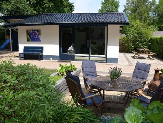 Cosy on ground level home, wifi, central location, many children's equipment