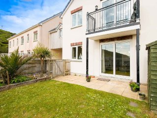 Fabulous apartment just a 5 minute walk from Porthtowan beach with its amazing