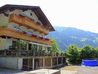 Attractive holiday apartment in a quiet and sunny location at the edge of Aschau