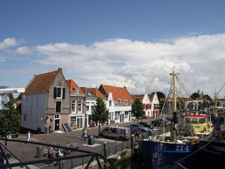 Gorgeous historic residence with free Wi-Fi in the marina at Zierikzee