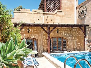 Comfortable villa hideaway for families or couples w/ pool, terrace and BBQ