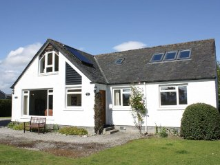 Spacious detached holiday home in Dornoch. Minutes' walk from the golf course an