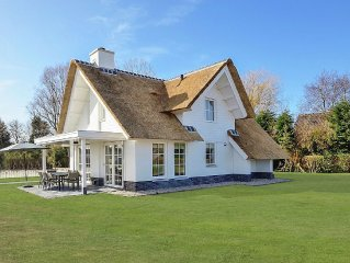 Spacious, thatch-roofed villas in a holiday park, just 1.5 km away from the Nor