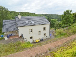 Modern appartment with two badrooms at the edge of a small Eifel village
