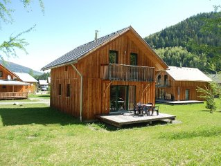 Pretty wooden luxury chalet in a small friendly holiday resort near Kreischberg