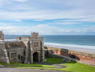 NEVILLE TOWER - a spectacular apartment inside the grounds of Bamburgh Castle