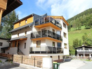 Great luxury apartment close to the ski slope and walking distance from the town
