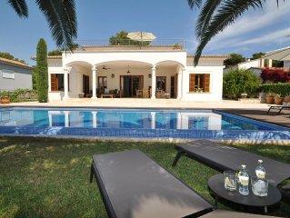 Villa Murta 2250 Porto Cristo con piscina y jardin con un estilo moderno