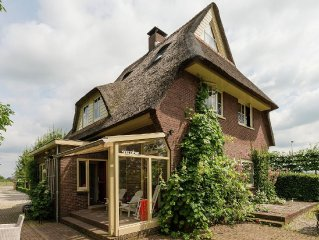 Comfortable holidayhouse in Houten, close to the city of Utrecht.