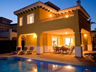 Holiday home with private pool located on Mar Menor Golf Resort