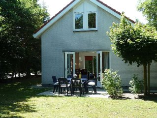 Detached villa 's, Wi-Fi, located on a holiday near the charming seaside resort