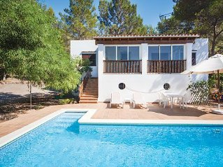 Comfortable hillside Villa w/pool & BBQ, a short drive to San Agustin