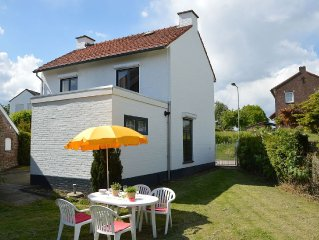 Comfortably furnished apartment in the South Limburg village of Eckelrade, appr