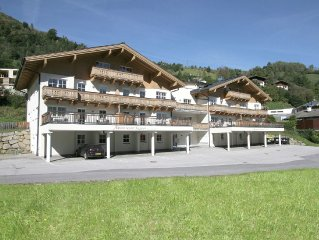 Luxury apartment in a beautiful location overlooking the beautiful mountains
