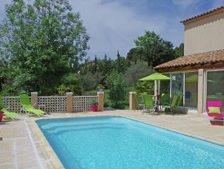 Beautiful villa with private pool and playground in the centre of the Provence