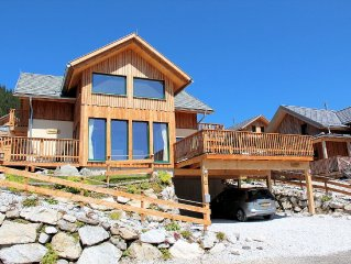 New luxury chalet with in-house wellness area and jacuzzi outside in Hohentauern
