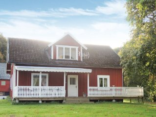 4 bedroom accommodation in Annerstad