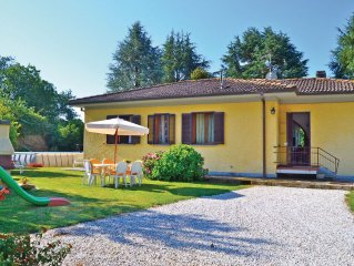 3 bedroom accommodation in Valpromaro Camaiore LU