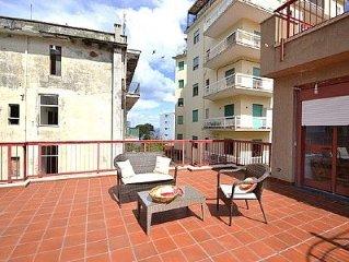 Casa Toni e un accogliente appartamento rivolto al sole e al mare, per cinque p