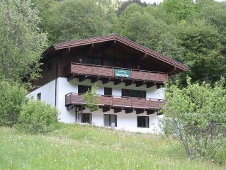 Spacious and modern holiday home in the well-known Saalbach-Hinterglemm