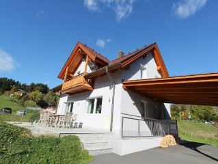 Modern detached villa, walking distance from the charming centre and ski lift