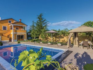 3 bedroom accommodation in Gracisce