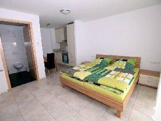 Apartment 1, 28qm, 1 Wohn-/Schlafzimmer, max. 2 Personen