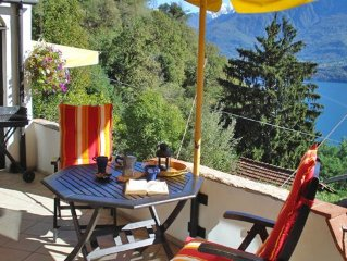 Apartment Asti in the vineyard farmstead Casa Rina with terrace and pool