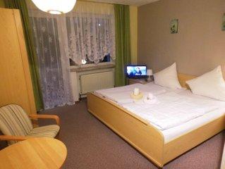 Zimmerkategorie D: Unsere Doppelzimmer mit Balkon - Hotel-Pension Dressel