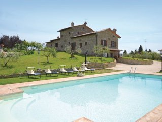 7 bedroom accommodation in Cortona (AR)