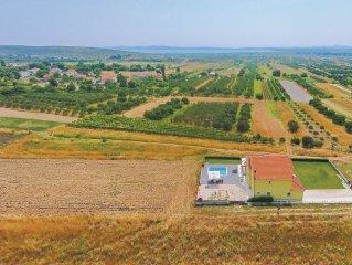 4 bedroom accommodation in Vrana