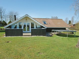 3 bedroom accommodation in Hejls