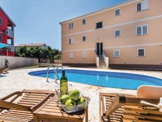 8 bedroom accommodation in Malinska