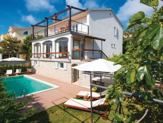 4 bedroom accommodation in Premantura