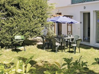 3 bedroom accommodation in Royan