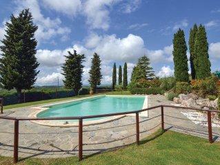 3 bedroom accommodation in Castiglione del L. PG