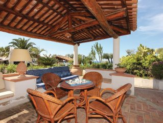 3 bedroom accommodation in Parghelia VV