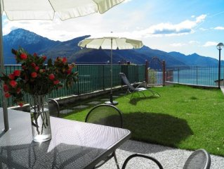 Holiday apartment Casa Sandra has a large garden terrace with wonderful view of