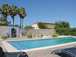 6 bedroom accommodation in Montuiri
