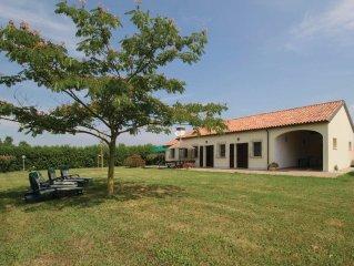 3 bedroom accommodation in Ca'Lino di Chioggia VE