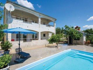 4 bedroom accommodation in Kastel Novi