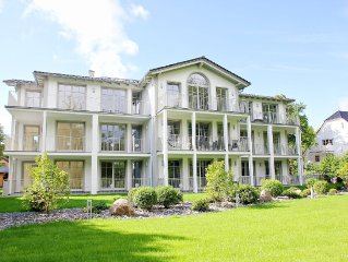 Prestigious apartment, 10 minutes to the beach, balcony, sauna, swimming pool