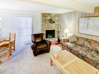 Adorable one bedroom, 1.25 bathroom mountain condo, Sherwin Villas #32, In town