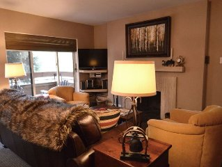 Cozy 2 bedroom deluxe condo, 2 blocks from the Gondola and downtown. FaschHs180