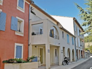 2 bedroom accommodation in Le Beausset