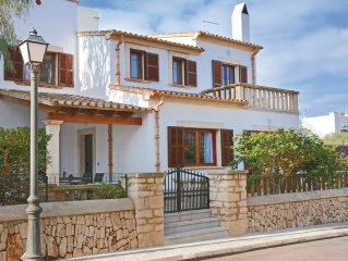 4 bedroom accommodation in Cala Figuera